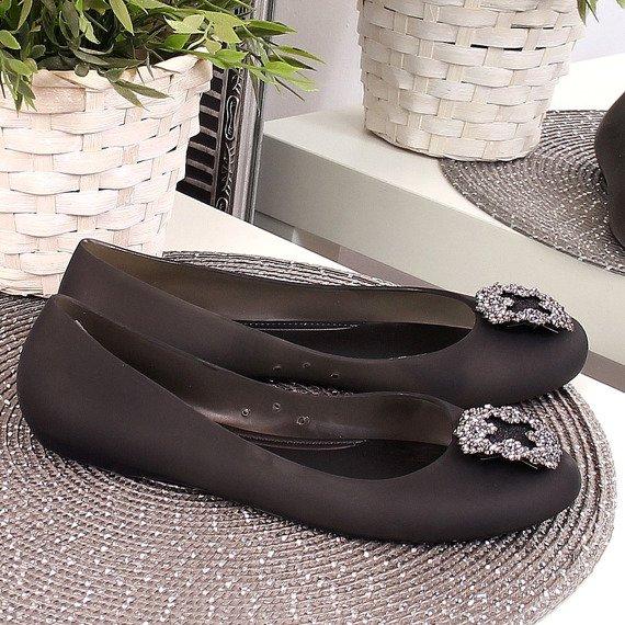 Balerinki damskie gumowe z ozdobą czarne Lu Boo