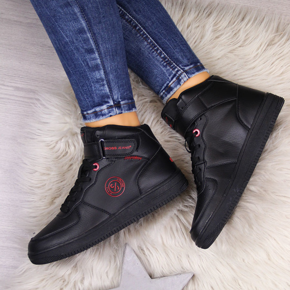Buty sportowe na rzep czarne Cross Jeans