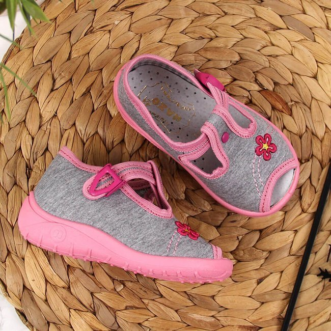 Kapcie dziewczęce sandałki domowe szare Nazo