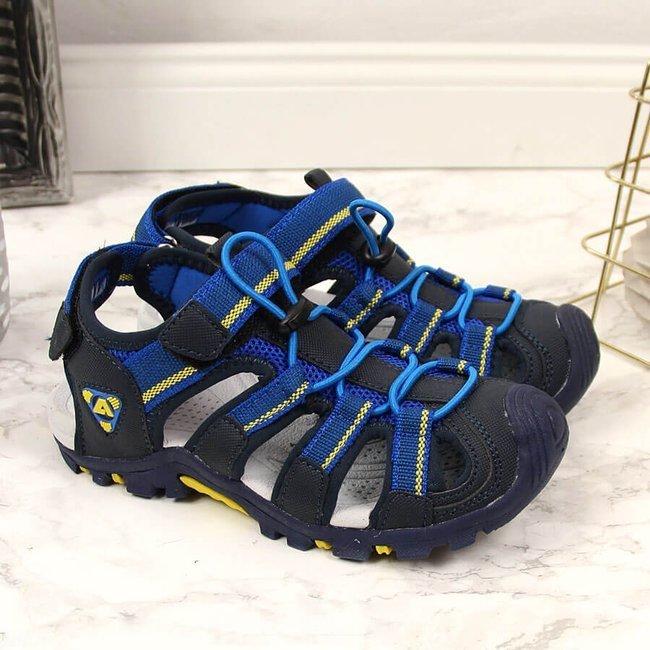 Sandały chłopięce zabudowane na rzep granatowe American Club