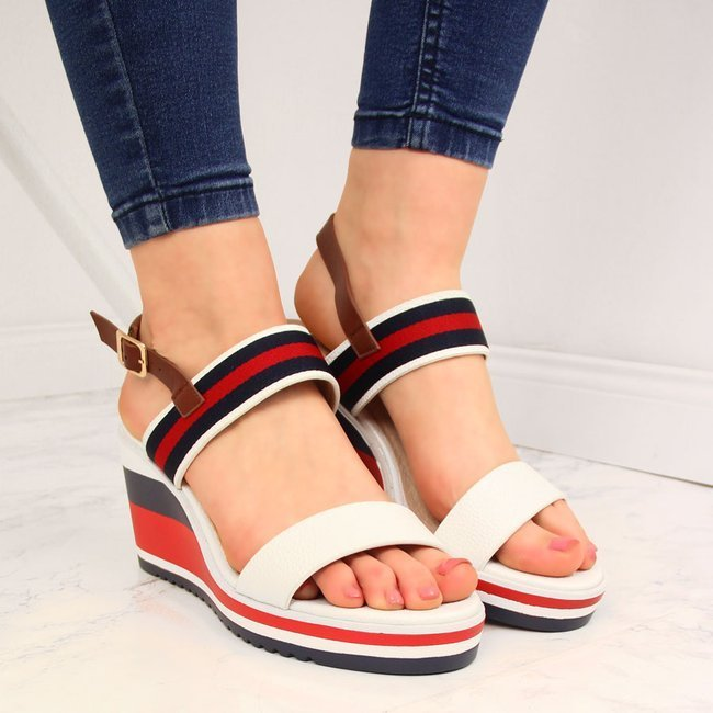 Sandały damskie na koturnie białe Filippo