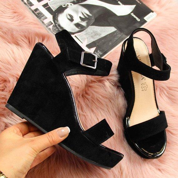 Sandały damskie na koturnie czarne Vinceza