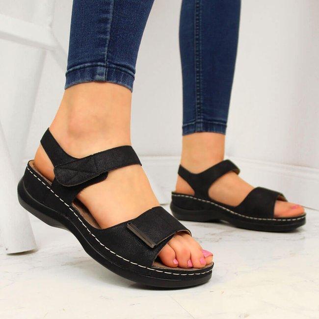Sandały damskie na koturnie rzepy czarne eVento