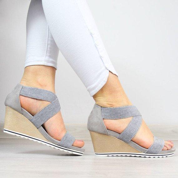 Sandały damskie na koturnie szare Big Star AA274A087