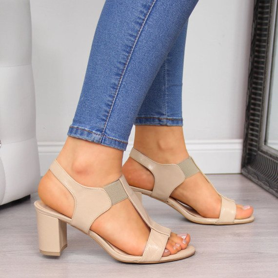 Sandały damskie skórzane na słupku beżowe Juma 2657