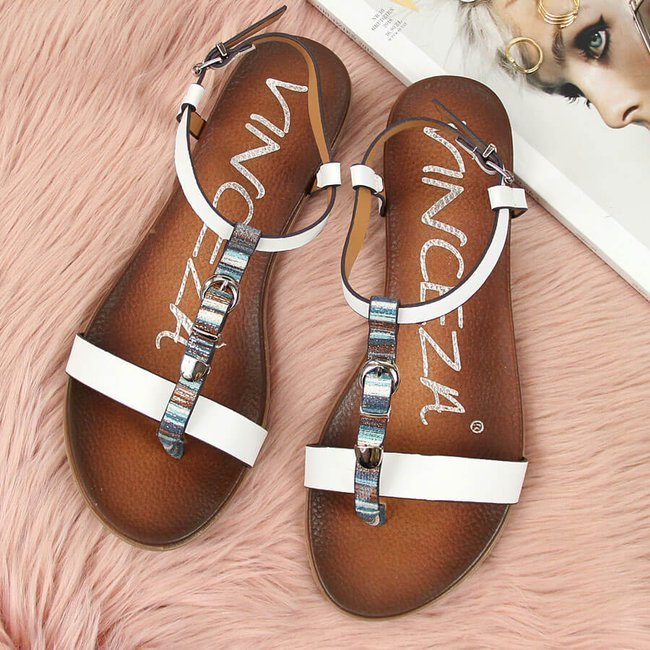 Sandały damskie z ozdobną klamrą białe Vinceza