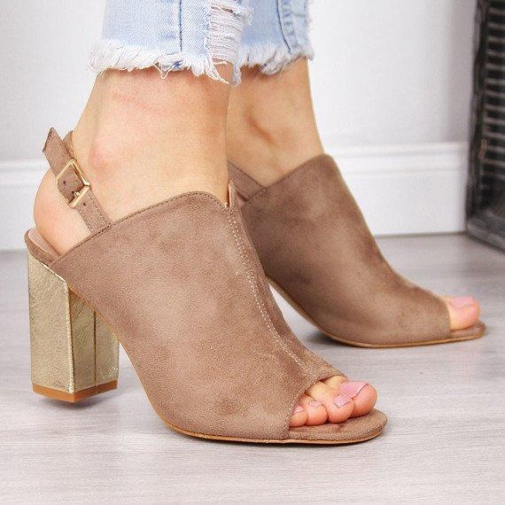 Sandały damskie zabudowane beżowe Vinceza