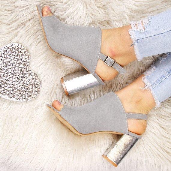 Sandały damskie zabudowane szare Vinceza