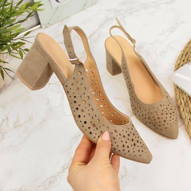 Sandały damskie zabudowane w szpic beżowe Juma