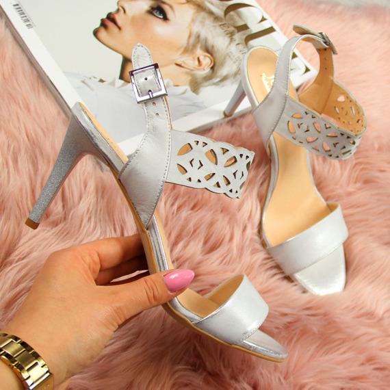 Sandały skórzane ażurowe srebrne Juma