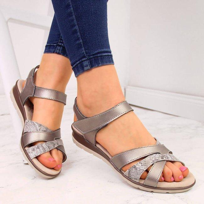 Sandały skórzane damskie na rzep stalowe eVento