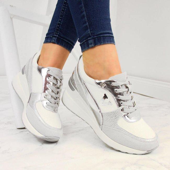 Sneakersy na koturnie białe srebrne Vinceza