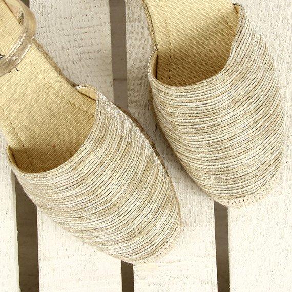 Złote sandały espadryle pełne Wishot